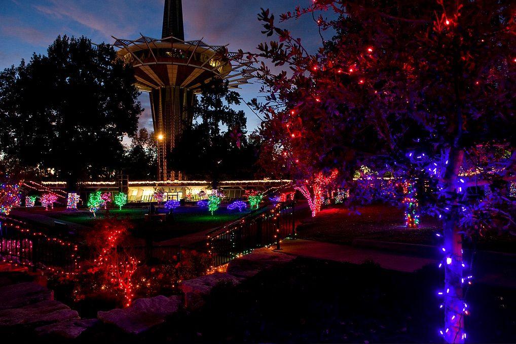 Oru Lights On 40 000 Lights Illuminate The Prayer Gardens For Christmas Family Dentistry Vacation Memories Dentistry