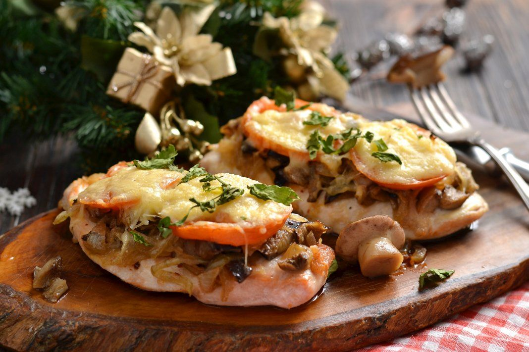 отбивные с грибами помидорами сыром