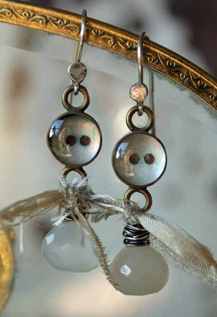 Coraline And The Moon Handmade Button And Moonstone Earrings Diy Jewelry Inspiration Button Jewelry Textile Jewelry