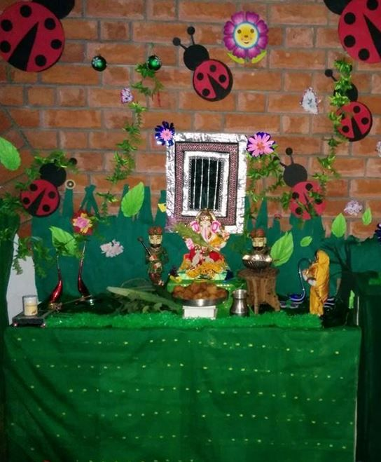 Ganpati decoration ideas at home ganpati decoration for Background decoration for ganpati