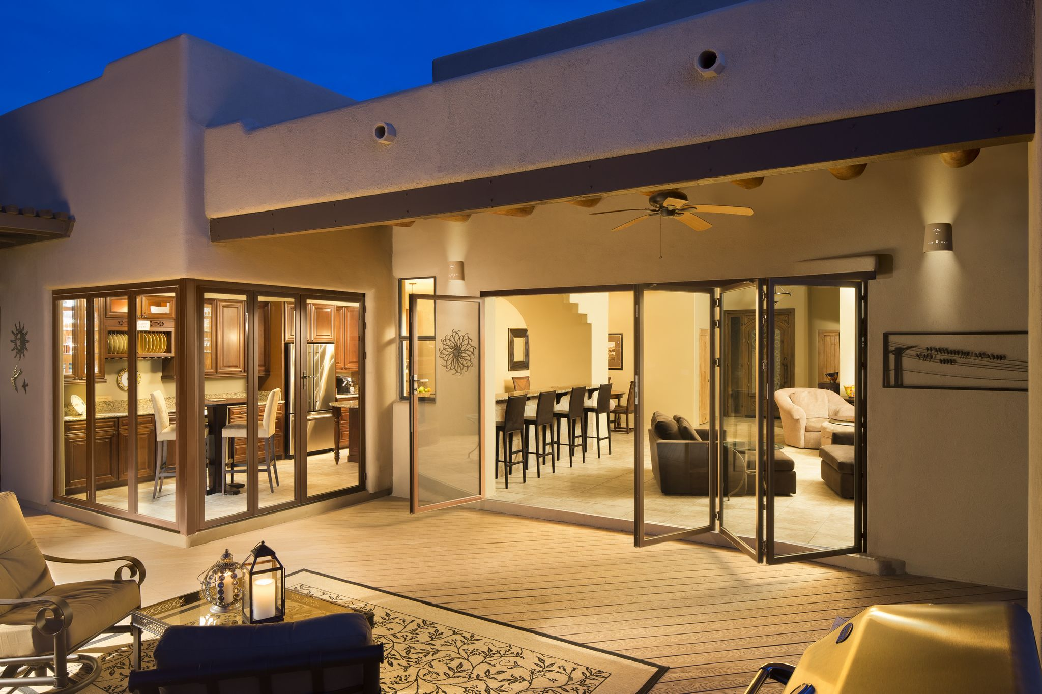 Folding doors rotate an entire 180 degrees to pletely fold