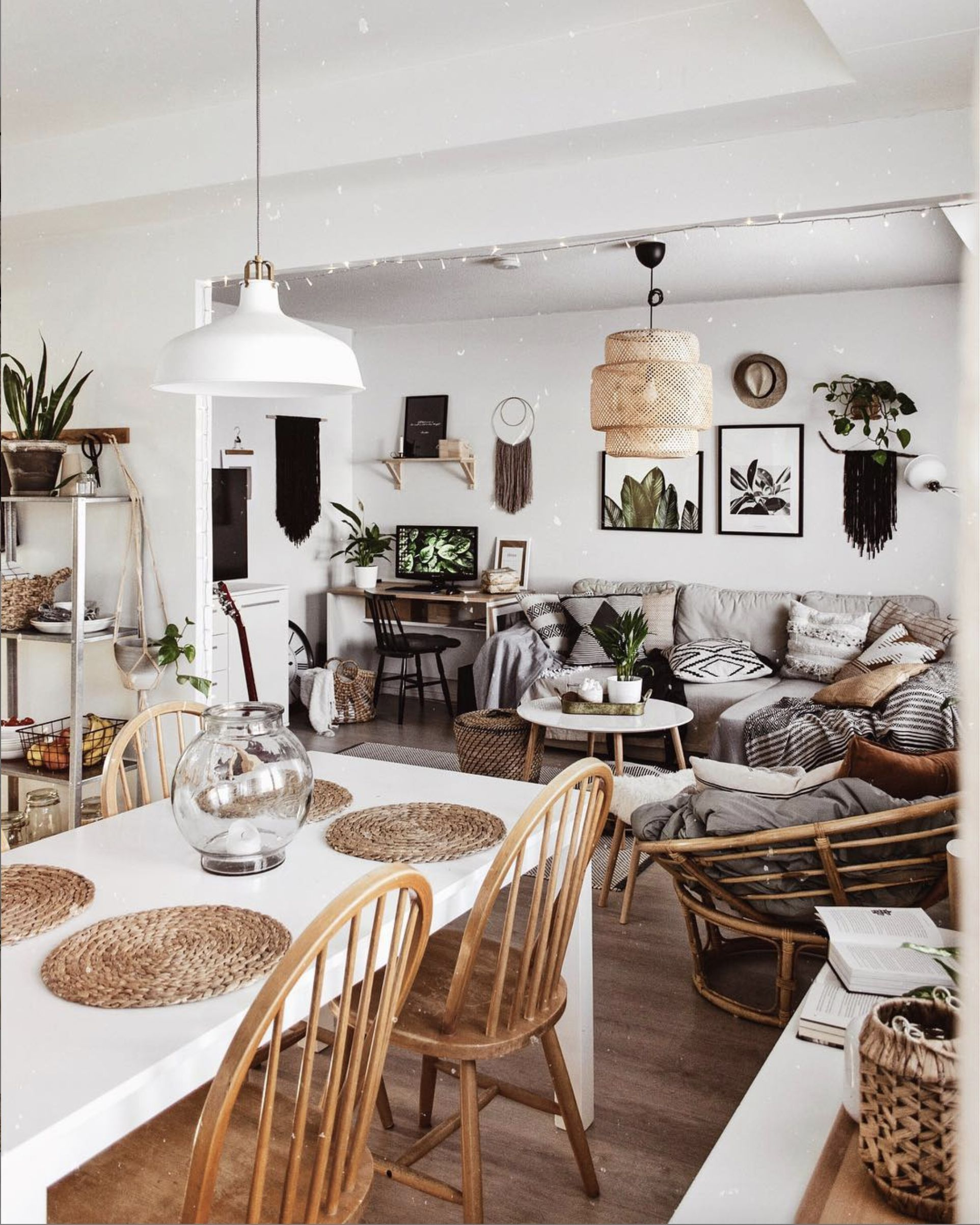 Such A Cute Room Designed By Kohteessa Keywords Small Apartment Idea Scandinavian Style Indoo In 2020 Living Room Scandinavian Popular Living Room Living Room Warm
