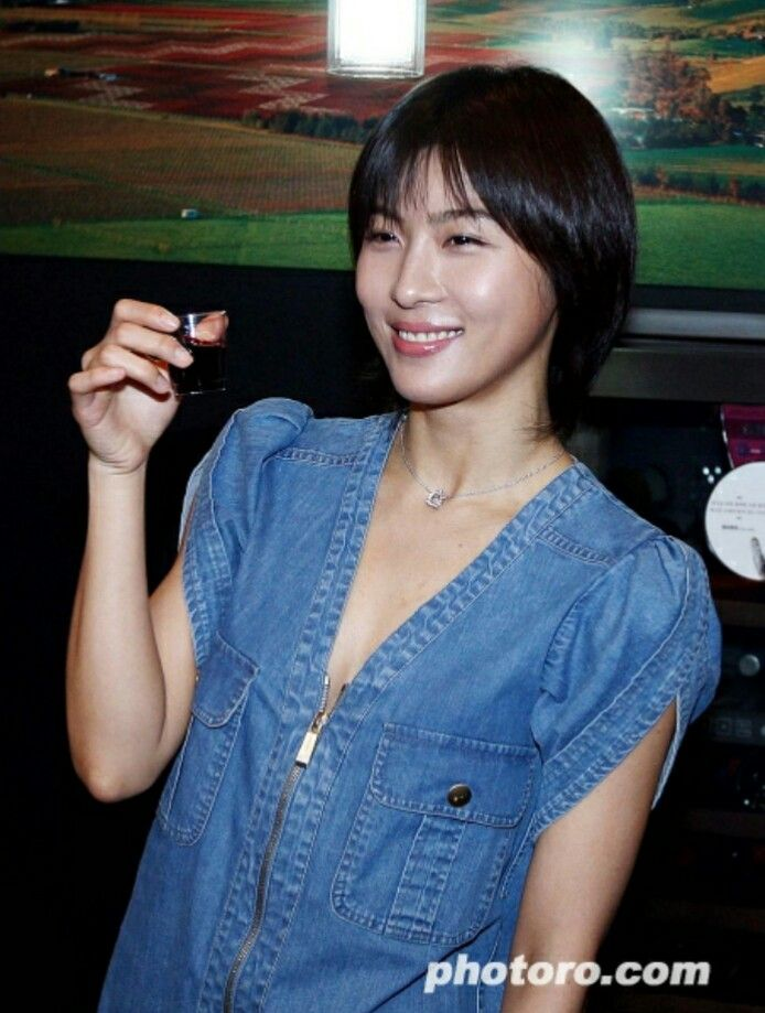 Ha Ji Won Releases Single and Visits Taiwan to Promote