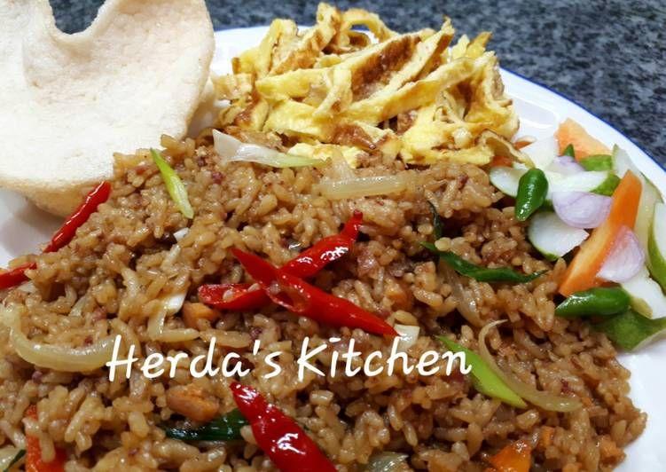 Resep Nasi Goreng Kornet Dan Telur Dadar Mayonaise Ala Teteh Tyas Oleh Herda S Kitchen Resep Resep Masakan Resep Makanan Resep