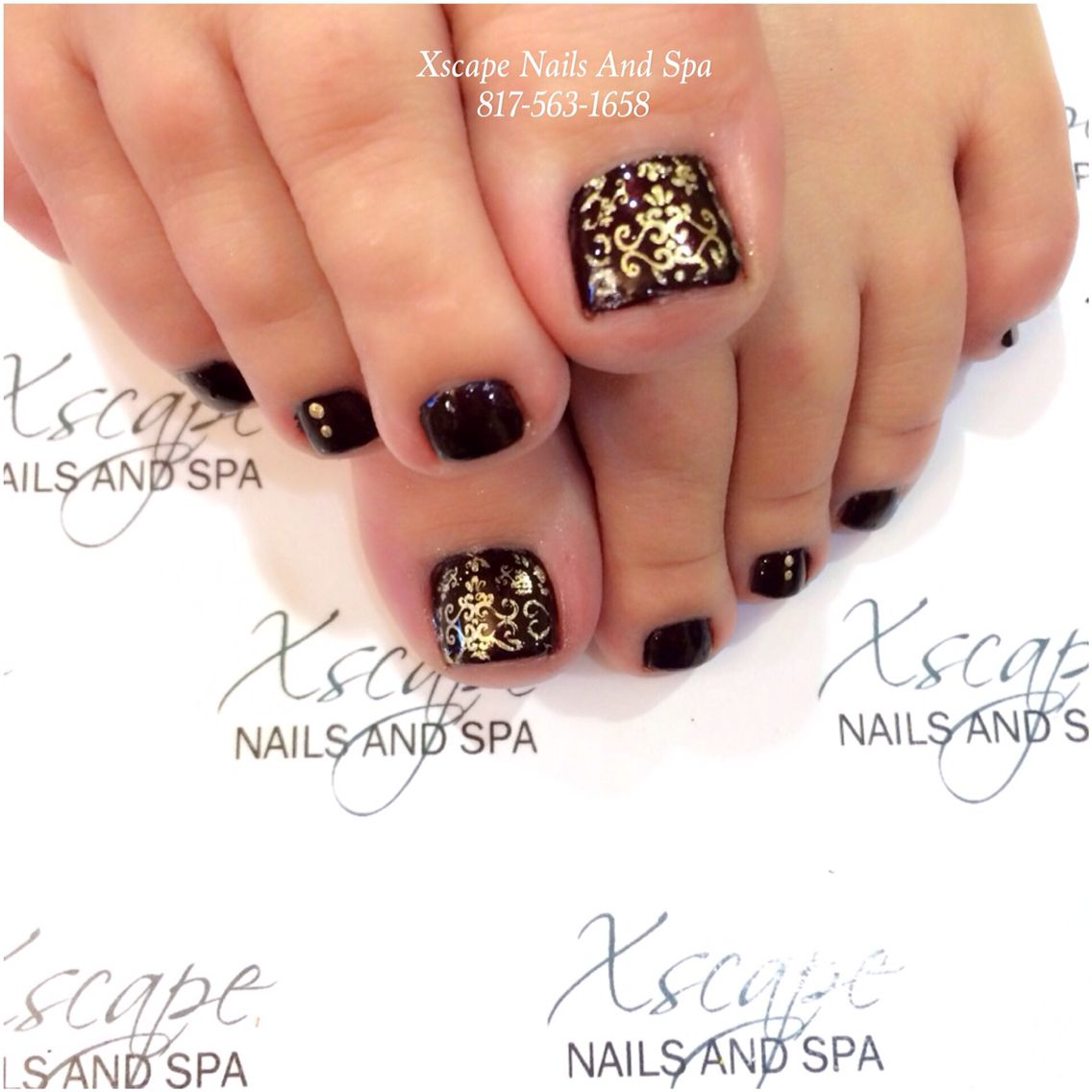 Pretty Pedicure Dark Burgundy Polish With A Very Intricate Gold Stencil Design Pedicure Nail Art Toe Nail Designs Pretty Pedicures
