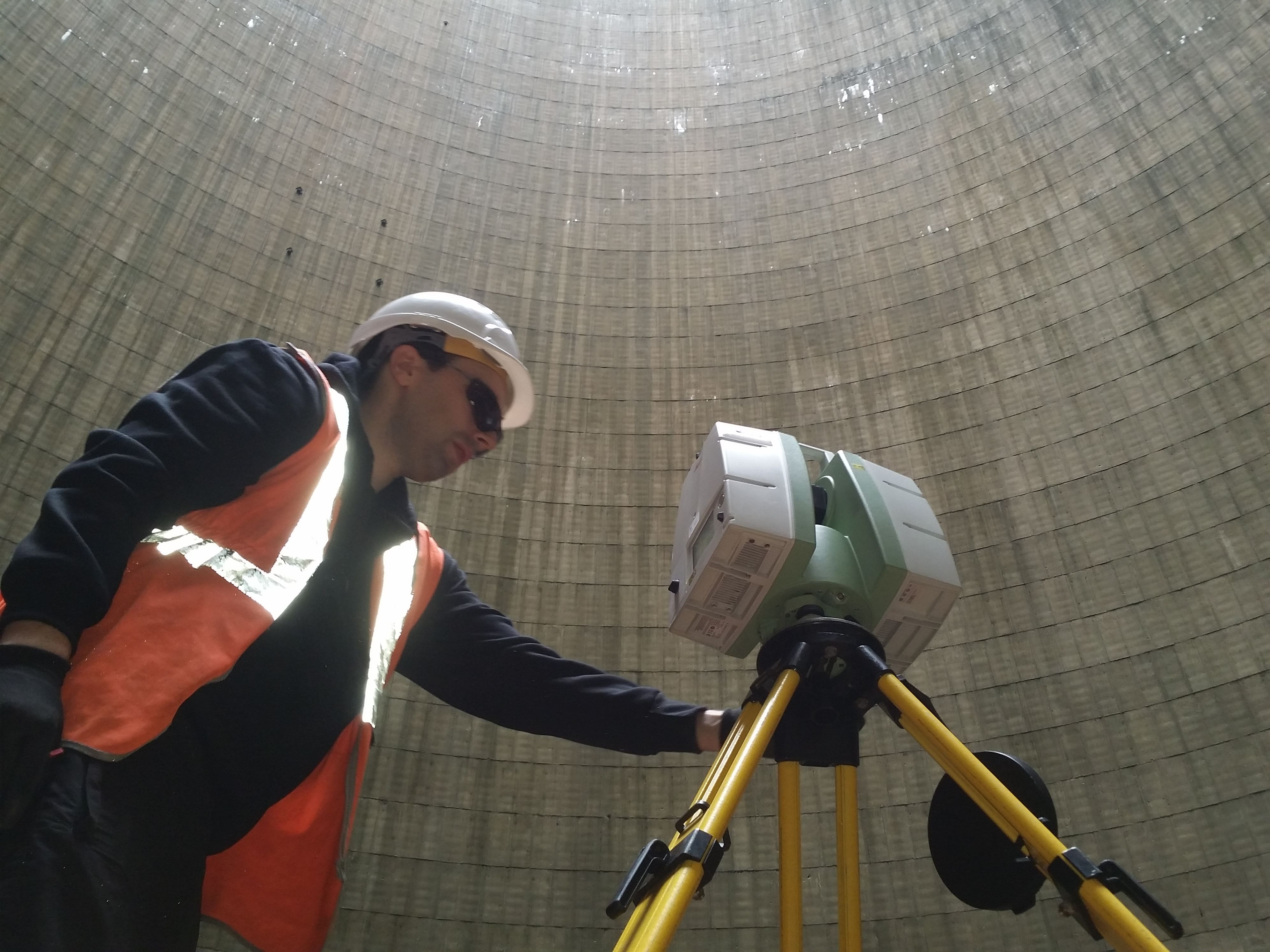 Surveyor Andrew Mckeown Laser Scanning The Inside Of An American