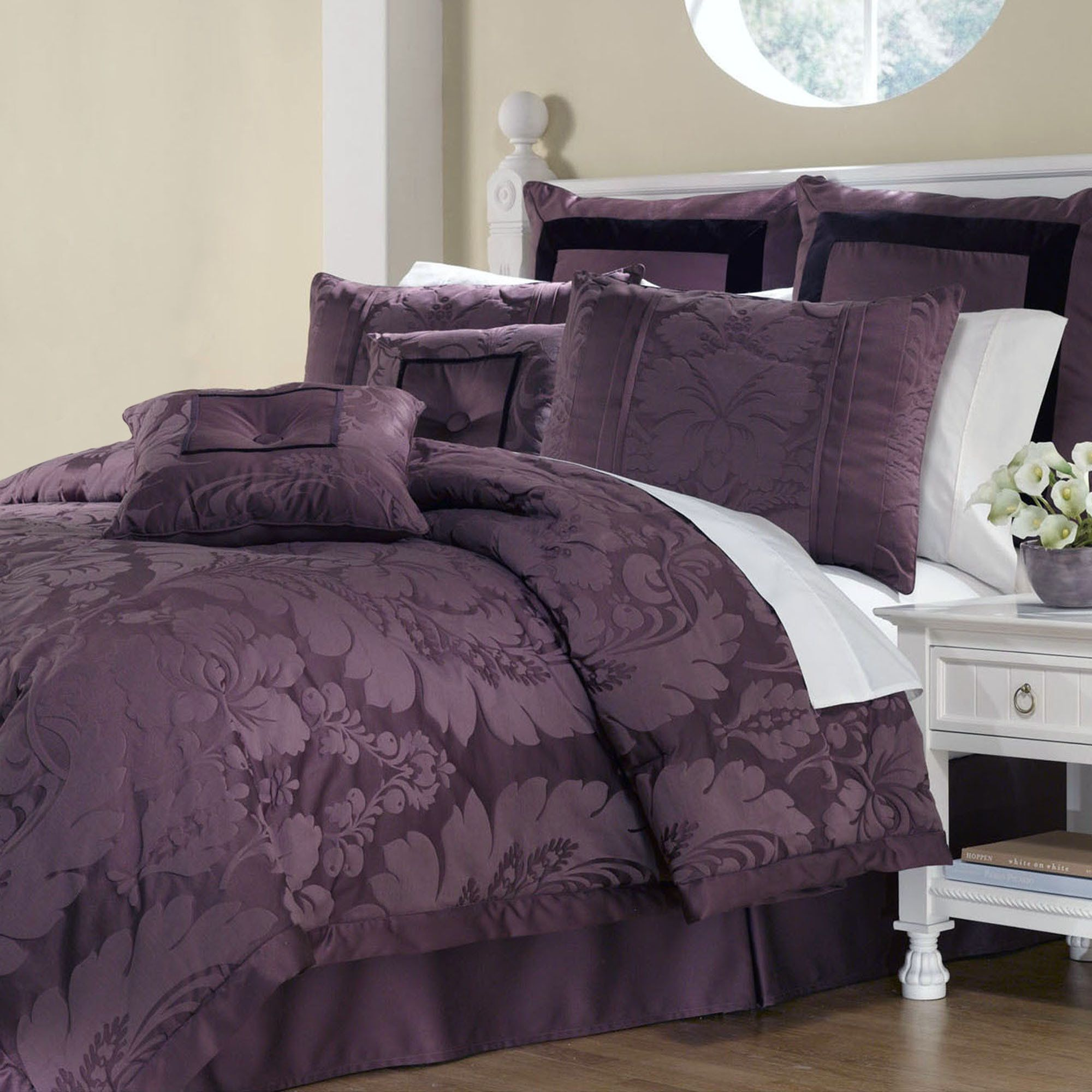 Lorenzo Damask 8 Pc Comforter Bed Set With Images Comforter