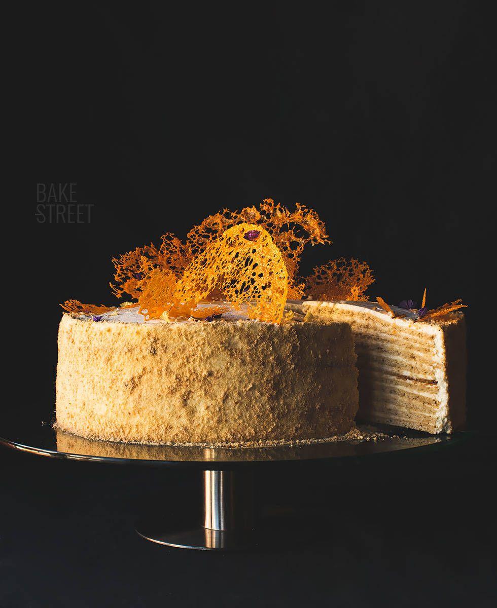 Tort Medovik - Russian Honey Cake - Bake-Street.com #honeycake