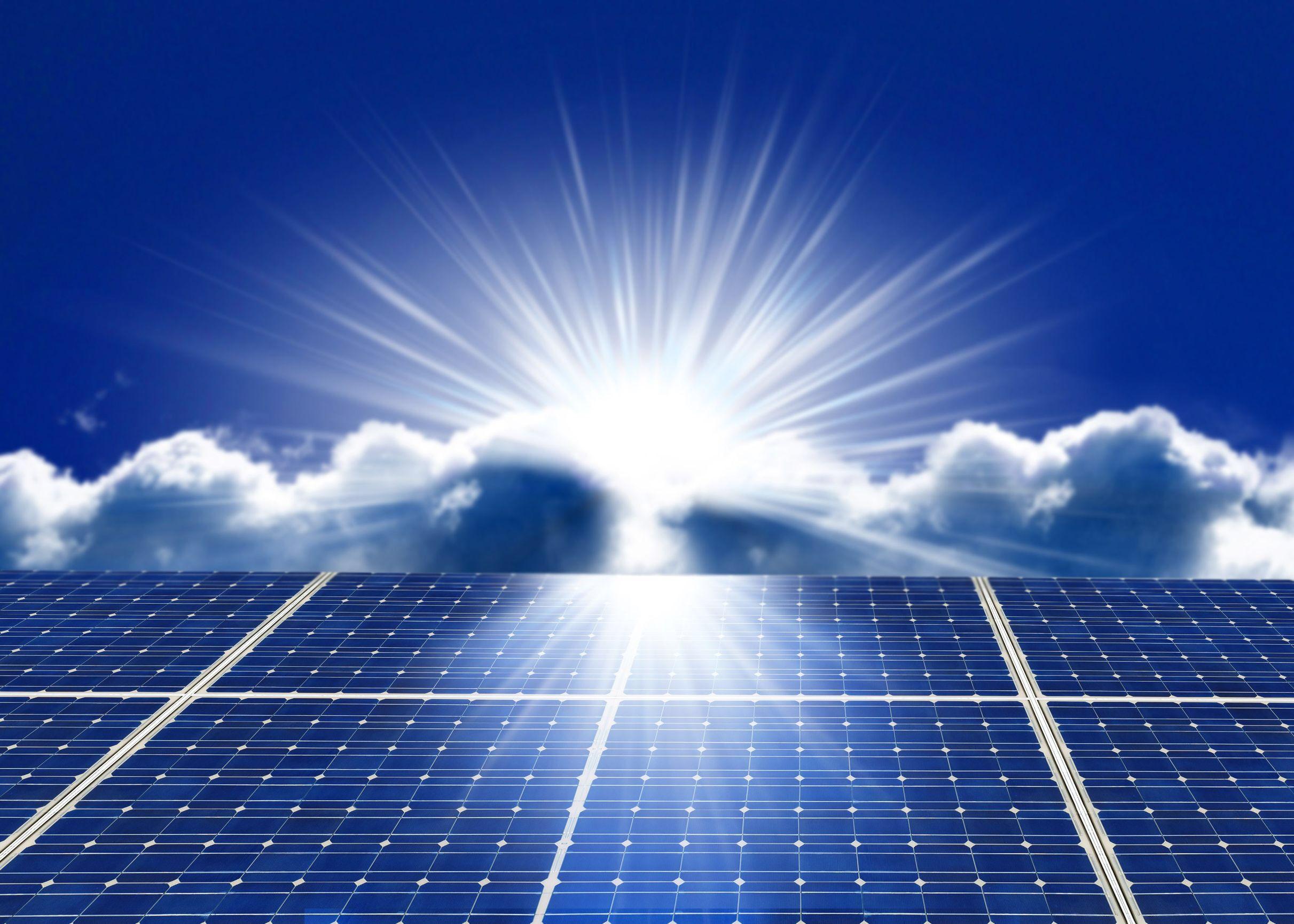 Uk Breaks Solar Record Generates 24 Percent Of Power From Solar Solar Panels Solar Installation Solar