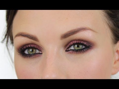 Thank you Pixiwoo, for posting the Kristen Stewart cranberry smokey eye look.