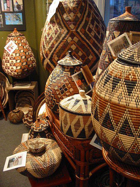 africa a collection of zulu baskets image zanzibartrading k rbchen basket. Black Bedroom Furniture Sets. Home Design Ideas