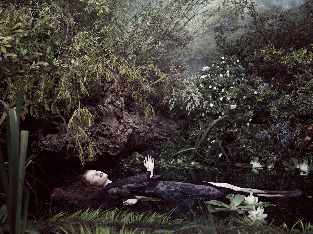 Ophelia S Shroud: Fashion Photograph Follows Painting.