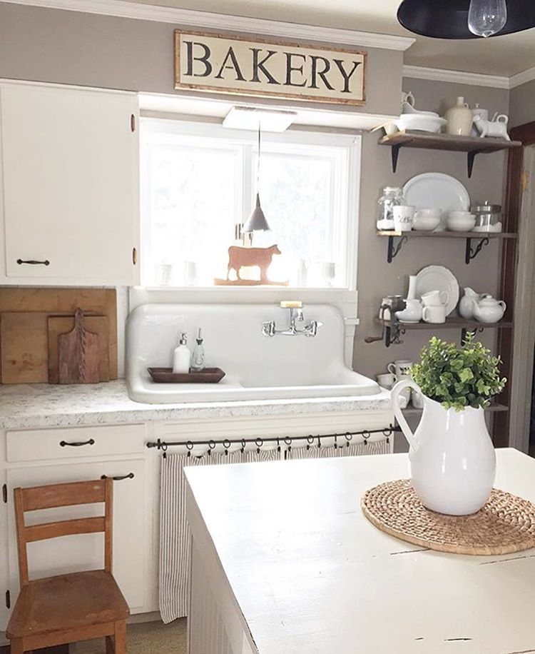 """Farmhouse kitchen anyone?? This beautiful kitchen by @thewillowfarmhouse is SO cute!  What do you love about it?  Use #imaremodelaholic to be featured!"""