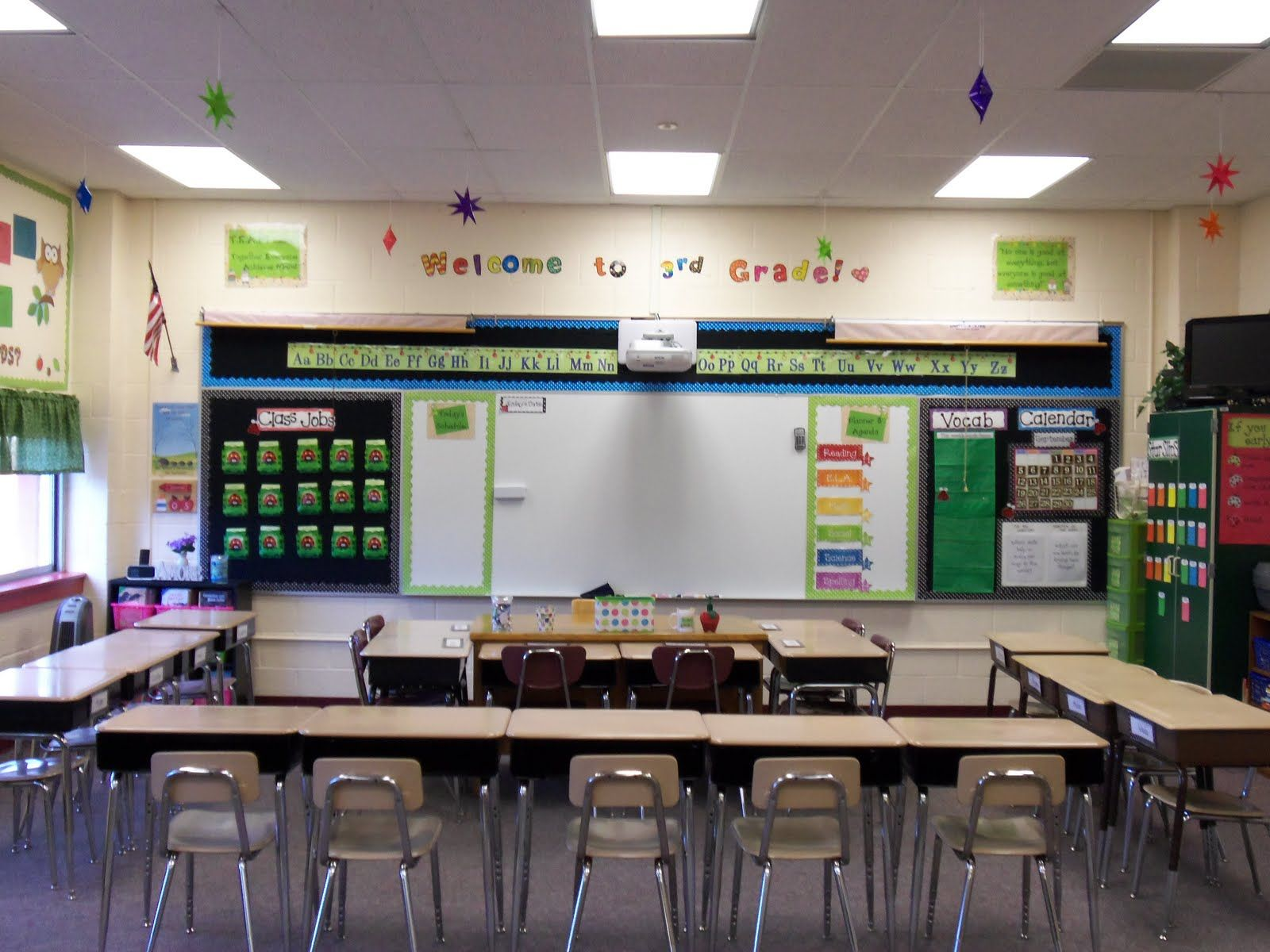 Classroom Layout Ideas Uk ~ Caffeinated conclusions giveaway winner and classroom