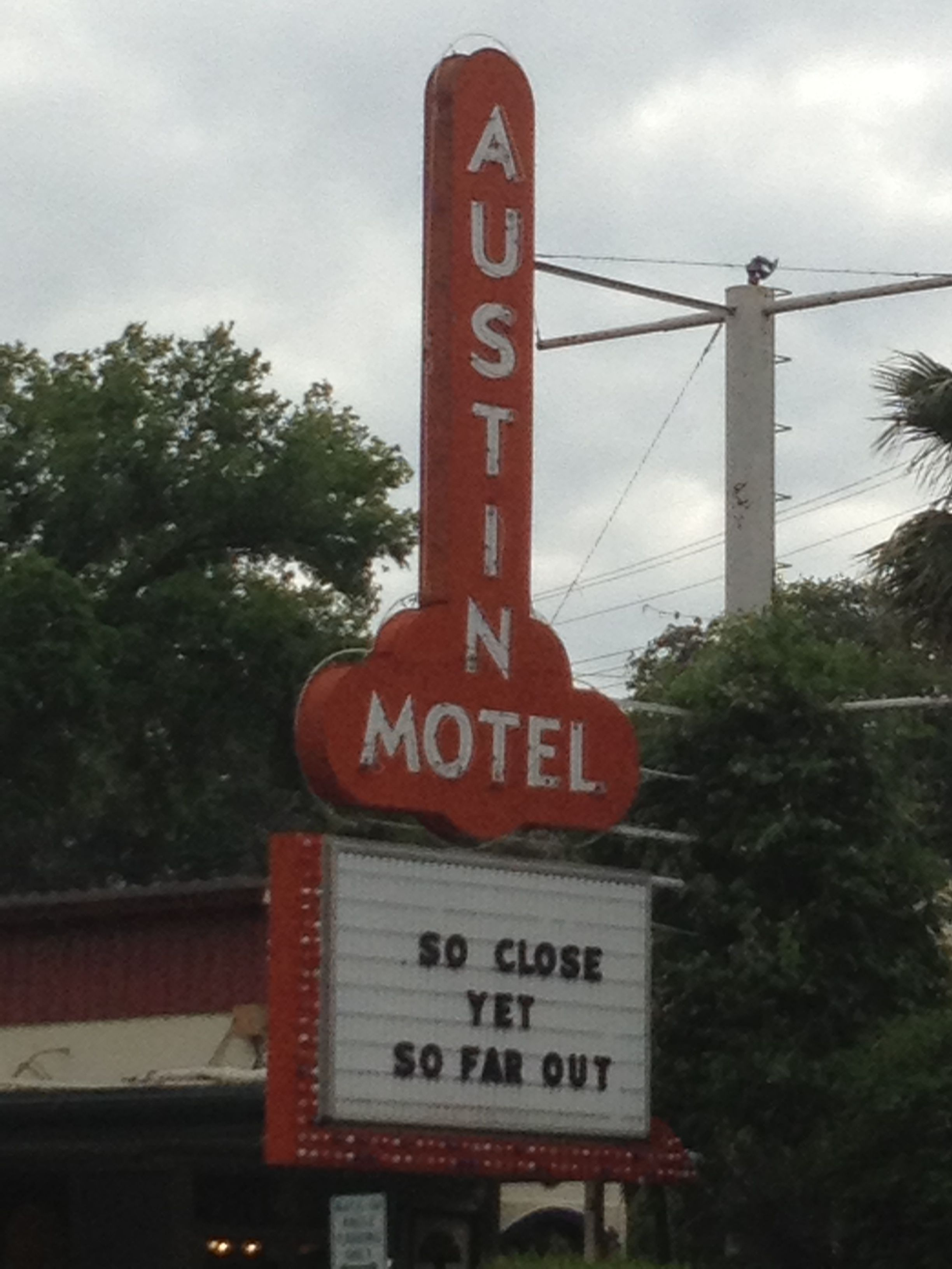 Austin Tx This Motel Has A Nice 60 S Peter Max Vibe To The Rooms Excellent Location