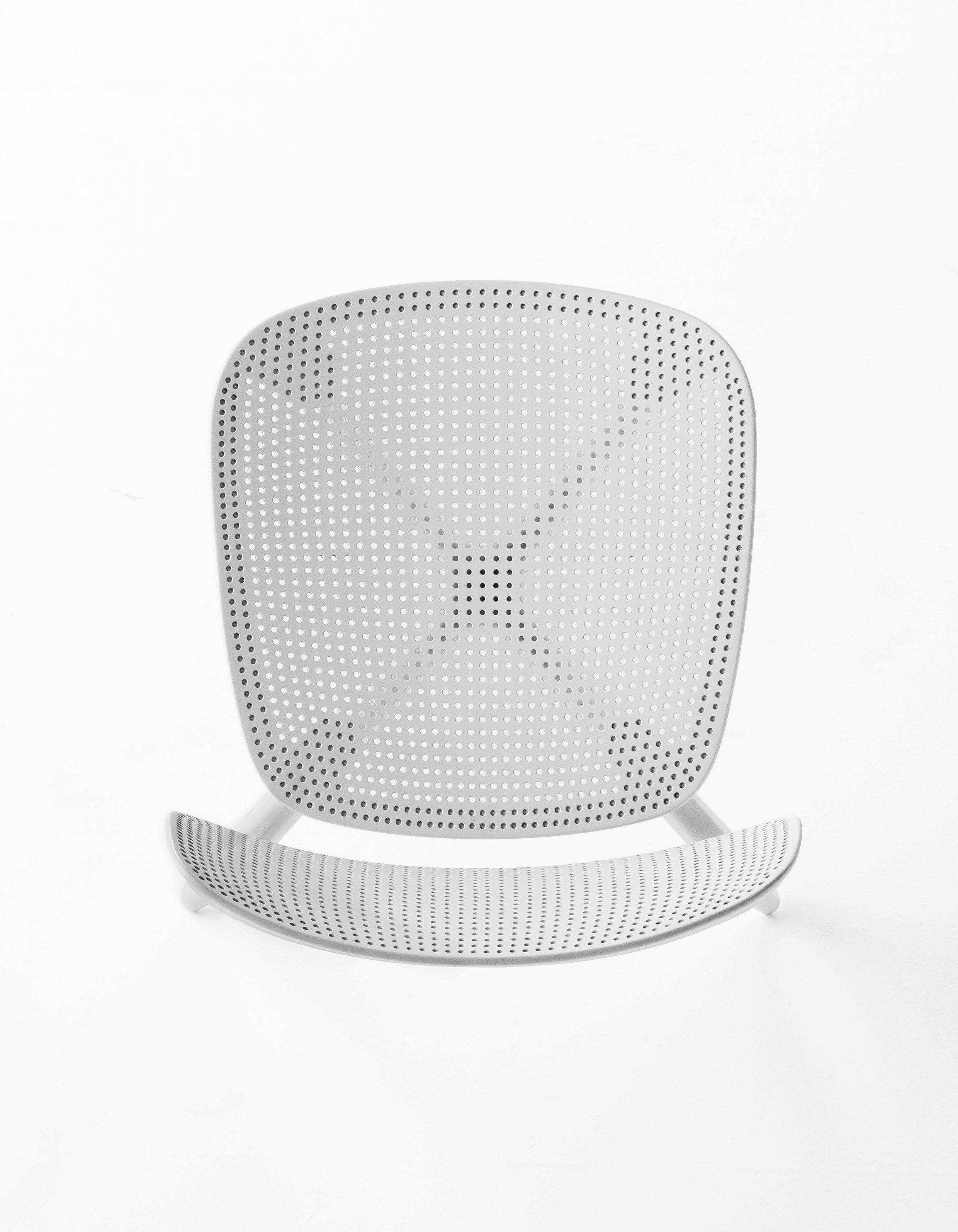 Colander, Minimalistic Chair In White | Chair . Stuhl . Chaise | Design:  Patrick
