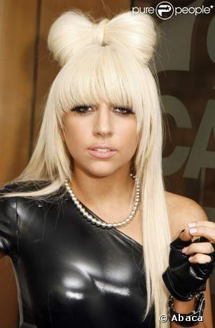Lady Gaga Blonde Hair With Bun Short Hair Styles Easy Womens Hairstyles Hair Styles