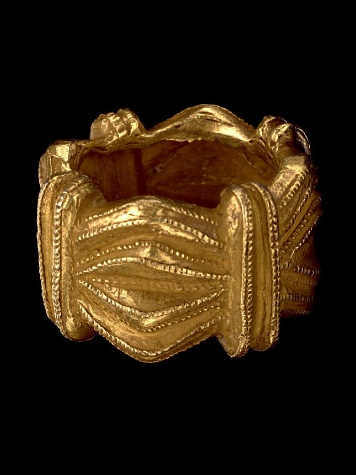 Africa | Ring in the form of a crown; gold | Akan people | c. 1935