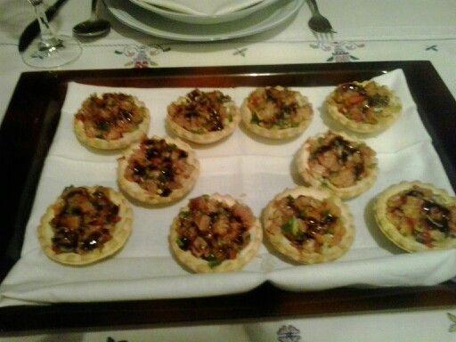 Tartaletas de salmon con vinagreta