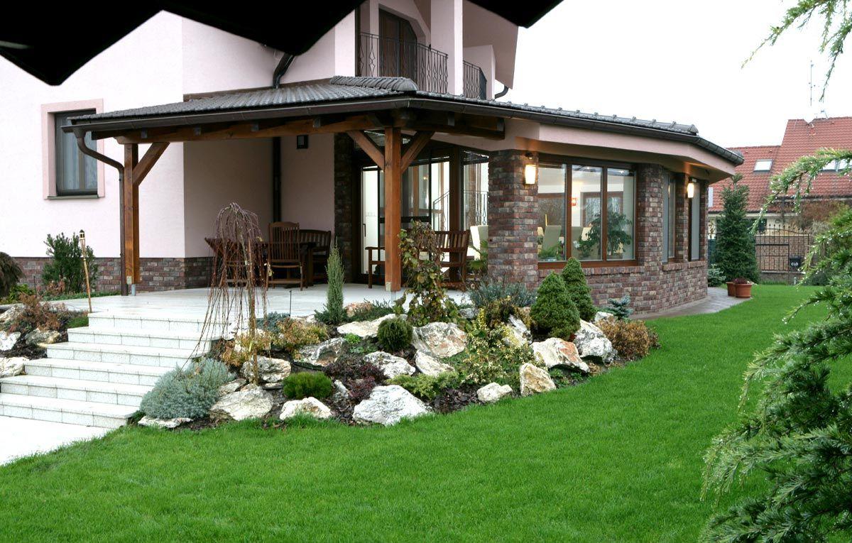 Prezrite si fotografiu Realizácie obývačky domov na webových stránkach kuchyneprunus.sk