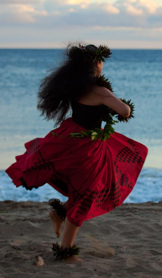 Hula dancer by James Roemmling