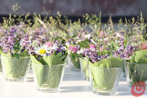 Gli addobbi per la tavola all 39 aperto addobbi per la for Decorazione giardino matrimonio