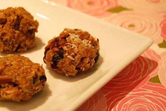 Peanutbutter honey no bakes - high protein + fiber