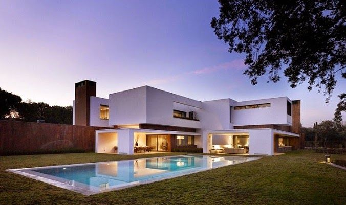 Dahl Architects + GHG Architects Created This Modern Residence In 2010 For  A Client Living In La Moraleja, Madrid, Spain. A Large Circular Wall  Encompasses ...