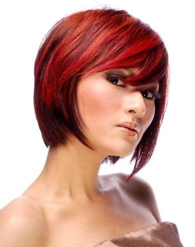 Coupes de cheveux courtes femme sur les cheveux roux