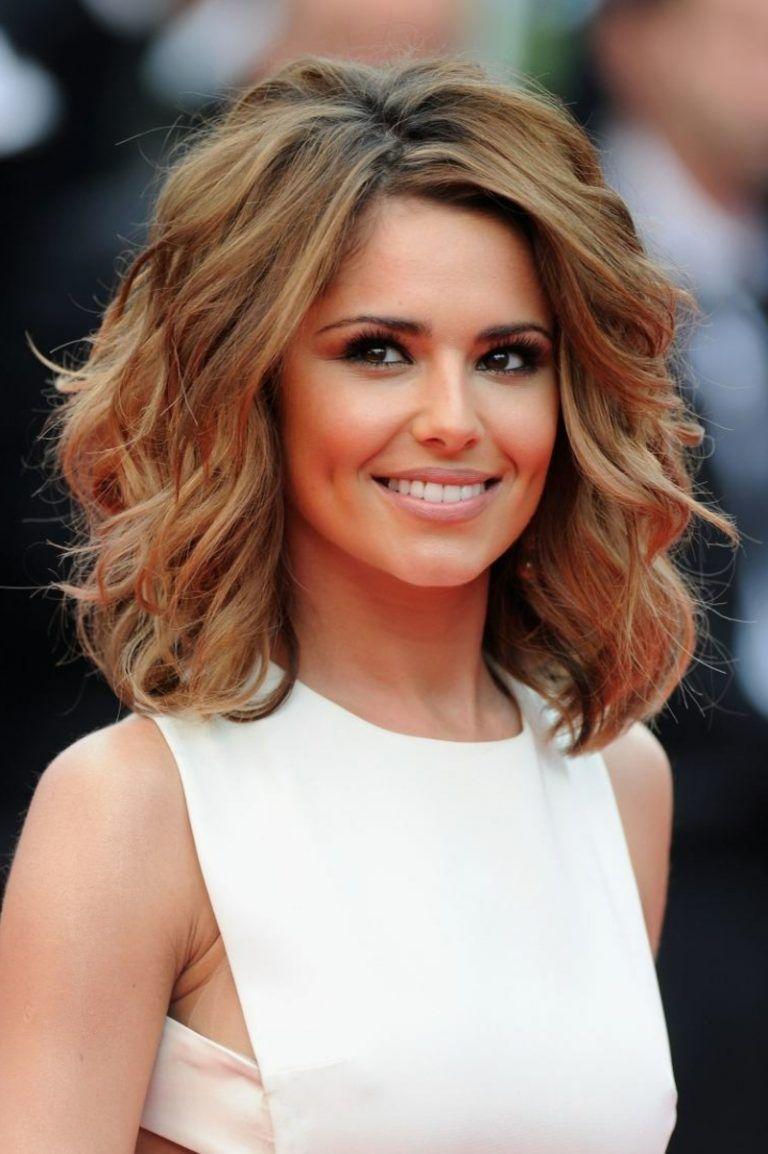 25 Damenfrisuren Fur Schulterlange Haare Langhaarfrisuren Frisuren Schulterlang Mittellanges Haar Glatt