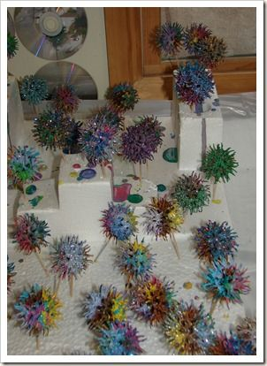 Candied Gum Balls Easy christmas crafts, Sweet gum tree