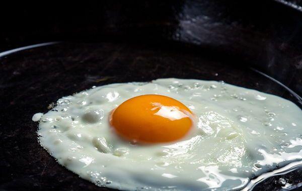 Los huevos son un superalimento practico. Estos son fáciles de conseguir fáciles de preparar y contienen casi todos los nutrientes necesarios por el cuerpo.