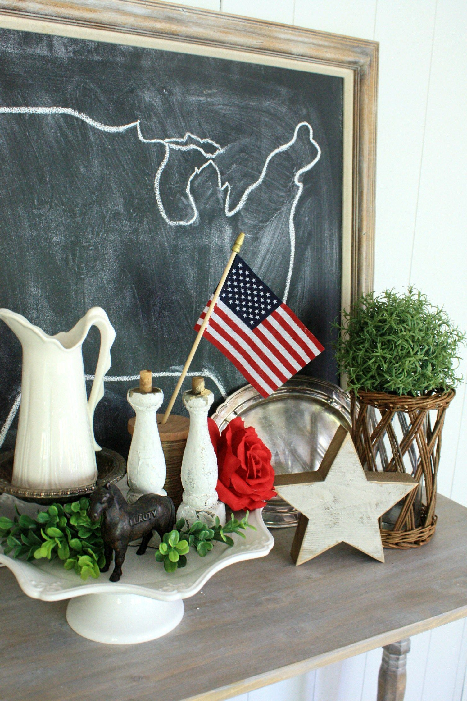What Adorable 4th Of July Decor Better Way To Decorate For Then With Vintage Items