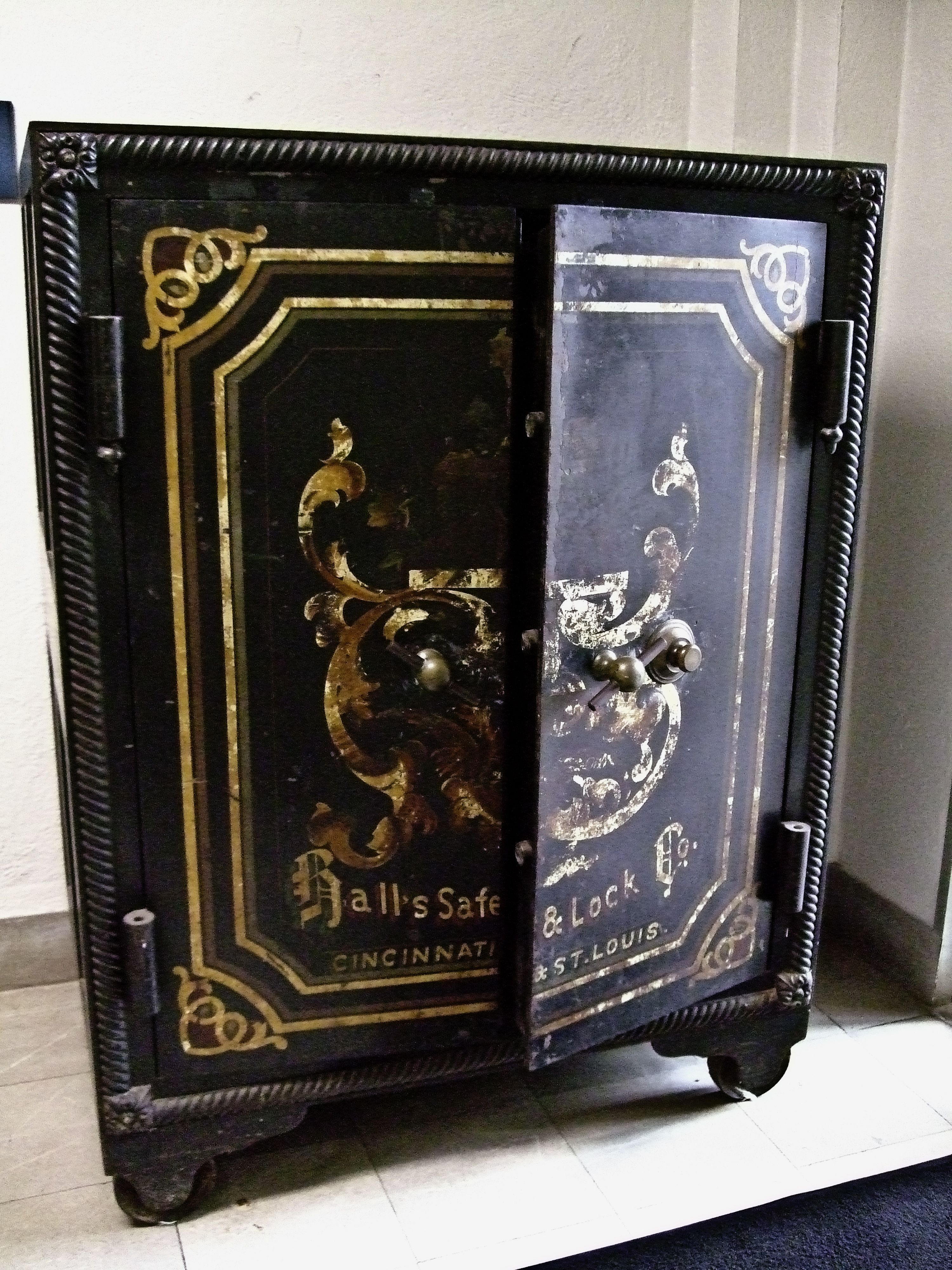 Antique Safe- Safe replacement in Buffalo NY - Repair