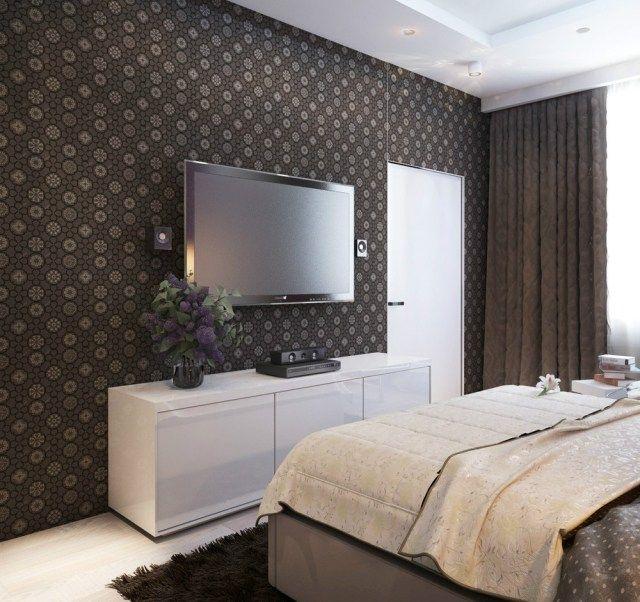Schlafzimmer Wand Dekorieren Tapete Blumenmuster Braun Weisses Sideboard Flach Tv