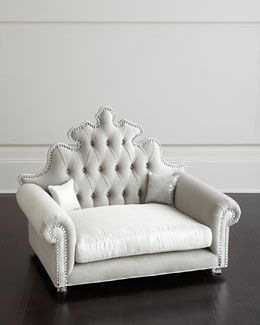 Haute House Isabella Pet Bed! Looks Pretty Enough For A Chair Of My Own!
