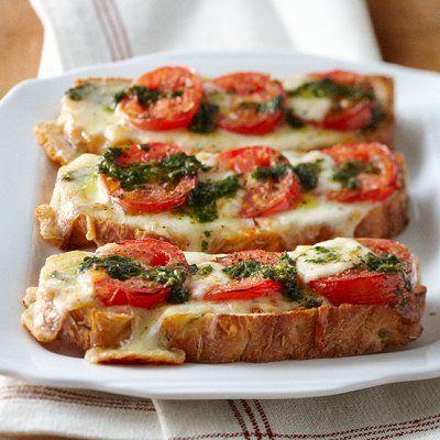 """easy summer dinner.... caprese """"pizza"""""""