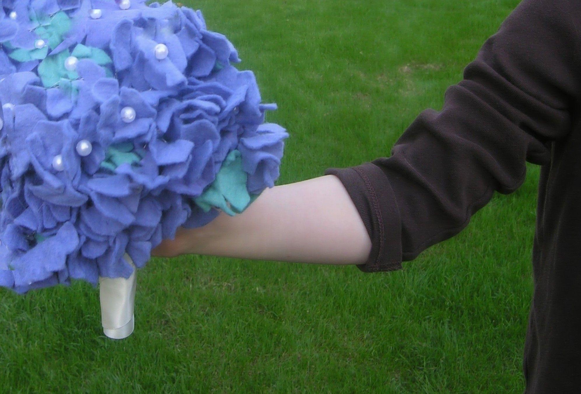 Felt Hydrangea Bridal Bouquet Tutorial | Pinterest | Hydrangea ...