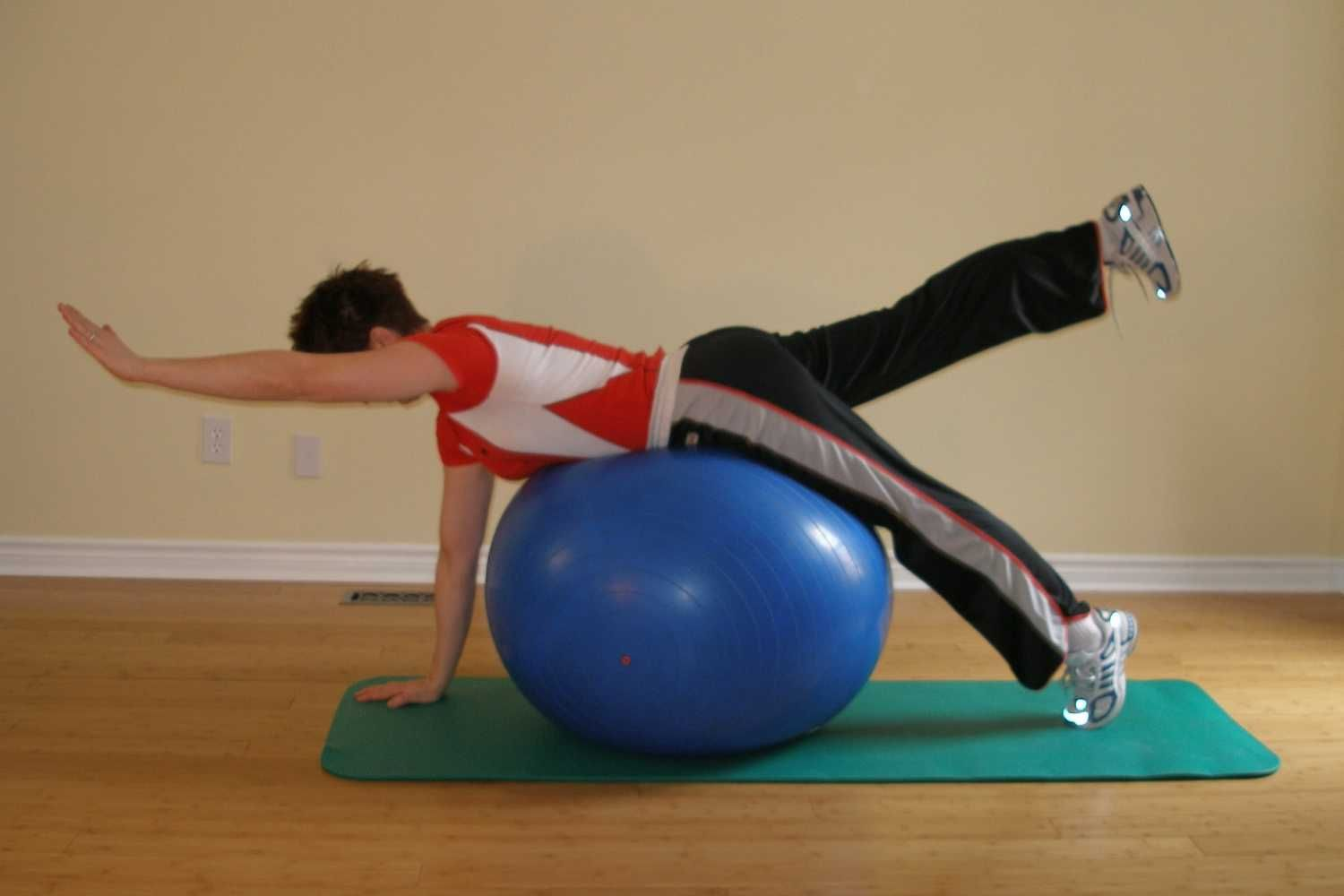 Pursue A Fit Lifestyle With These Excellent Tips Male Fitness Kettlebell Arm Workou