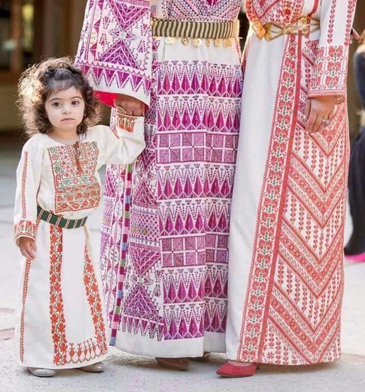 Pin de omar qasmieh en Palestinian dress (thoob) traditional and ...
