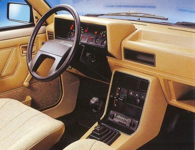 Renault 11 Interior