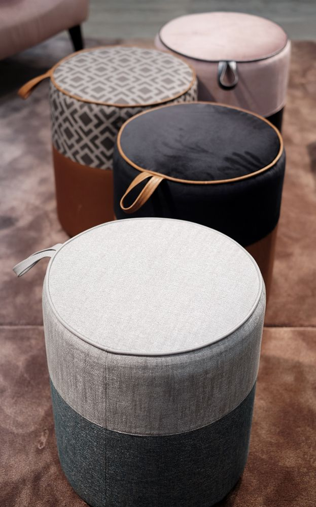 Gepolsterter Hocker By Joidesign Sehen Sie Mehr Https Www Brabbu Com En Upholstery Gepolst Pouf Ottoman Living Room Modular Sofa Design Leather Ottoman