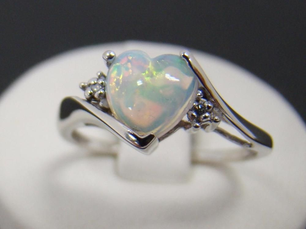 10k White Gold Ring 7mm Heart Shape Created Opal Diamond Accent 1 9g Size 7 25 White Gold Rings Fashion Rings Opal Jewelry