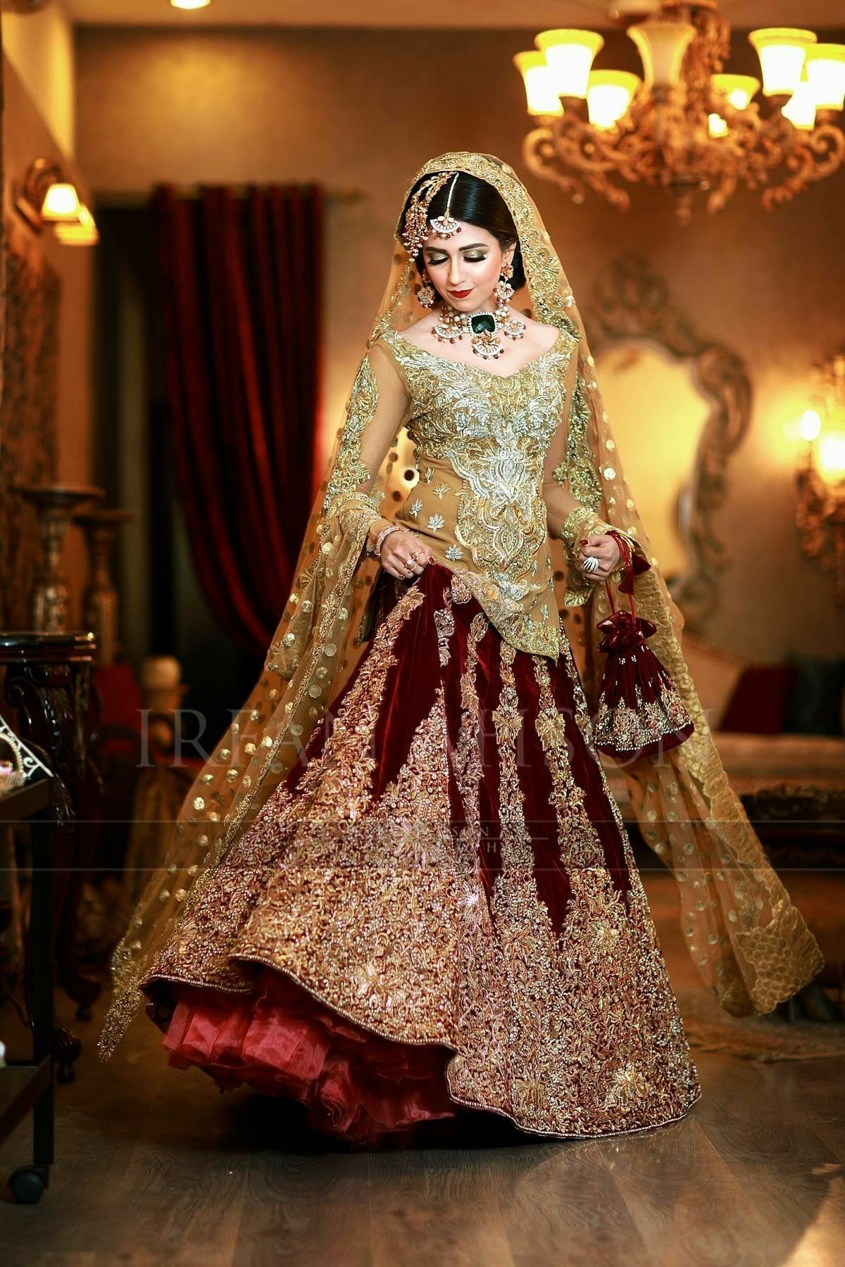 Pin By Areej On Best Dress Stylǝ Pakistani Bridal Dresses Bridal Dresses 2018 Bridal Dress Design