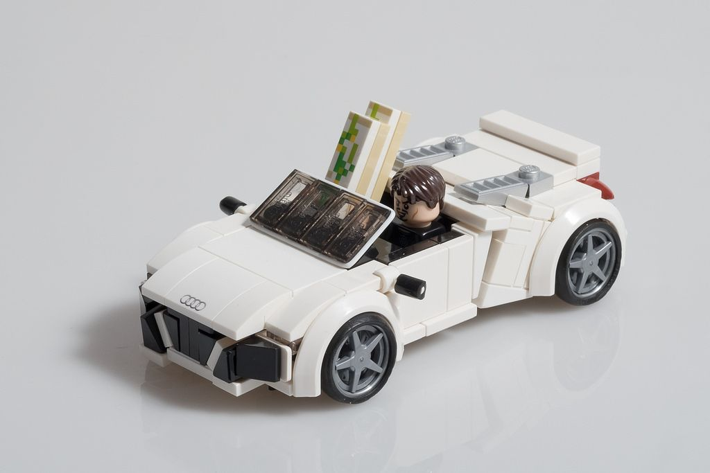 tony stark 39 s audi r8 spyder from iron man 2 lego. Black Bedroom Furniture Sets. Home Design Ideas