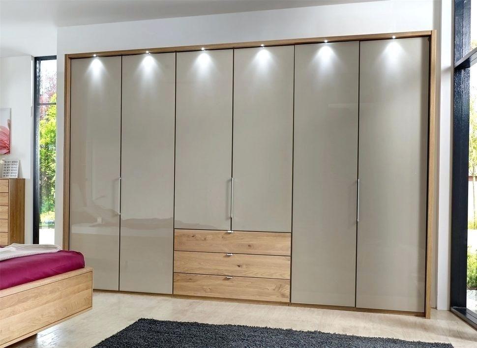 Perfect Modern Bifold Closet Doors In 2020 Sliding Door Wardrobe