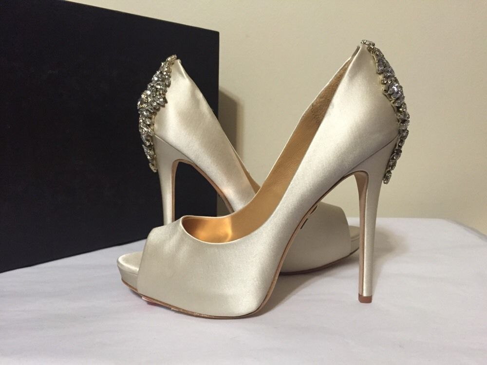 37ea9d00540f Badgley Mischka Kiara Ivory Satin Women s Dressy Evening Heels Pumps Size  7.5 M  BadgleyMischka  FashionDressyEveningPlatformHeelsPumps   ...