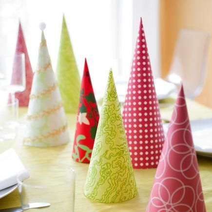 50 Easy Christmas Centerpiece Ideas | Paper trees, Christmas ...