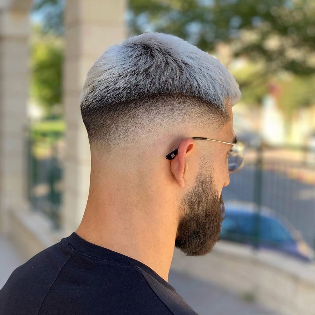 Have A Look At This One Use Menshairs And Tag Us In You Coiffure Homme Tres Court Coiffure Homme Coiffures Hommes Classiques