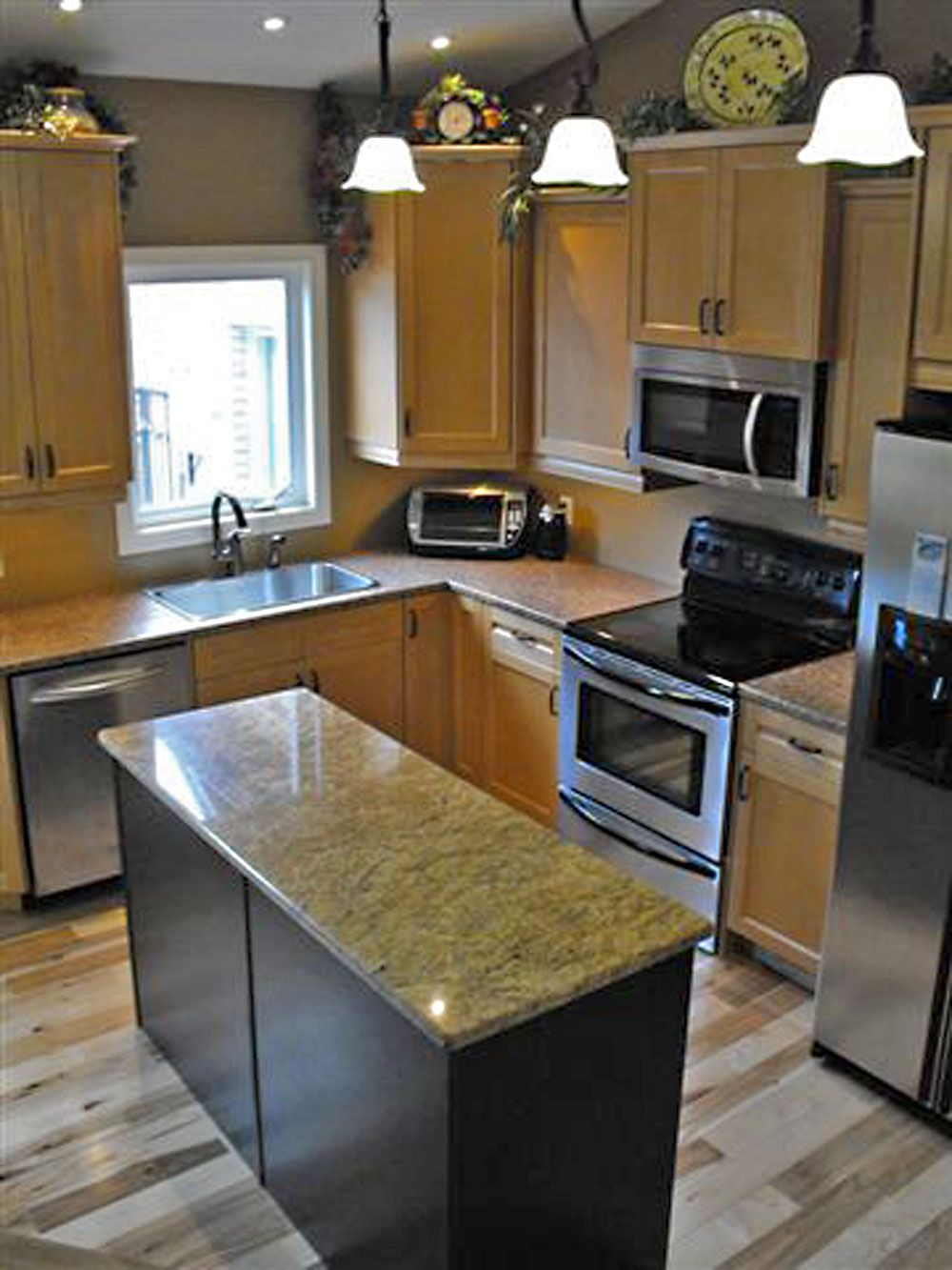 bi level home remodeling. i would love to do this to my kitchen